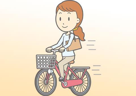自転車に乗っている時も背筋を伸ばす